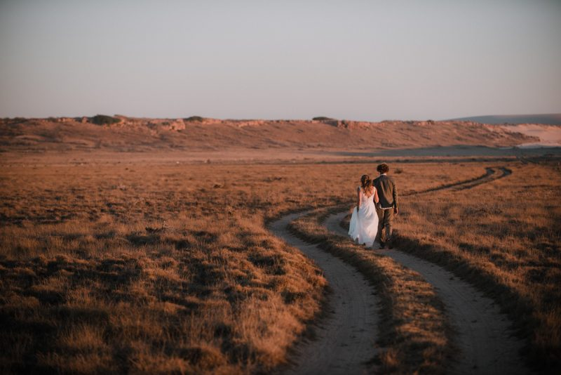 beach wedding at gnaraloo station in the north west of western australia by freedom garvey photographer